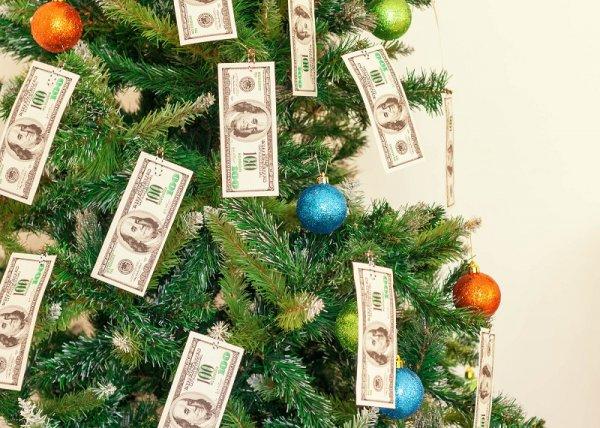 украшение елки деньгами