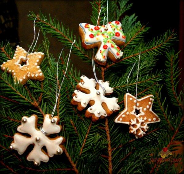 печенье на елке фото